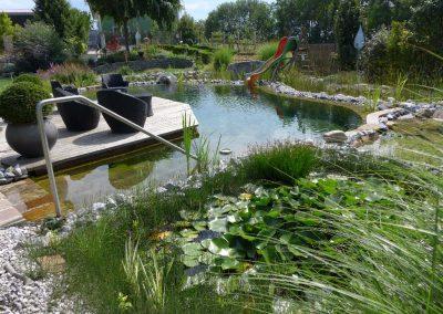Schaugarten mit Teichen und Pools