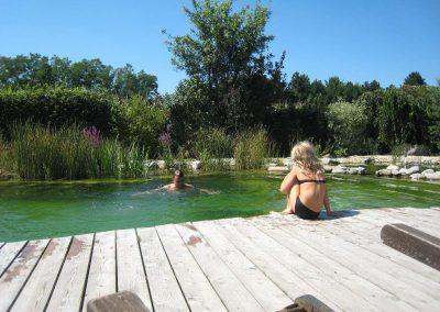Menschen am Pool